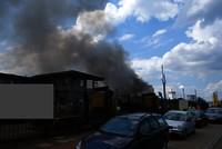 Großbrand Auf Schrottplatz Geringer Sachschaden Keine Verletzten