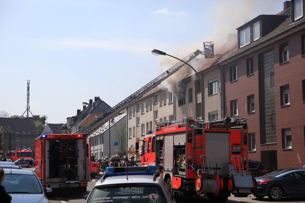 wohnungsbrand in wohn und gesch ftshaus vier personen durch rauch verletzt einsatzbericht. Black Bedroom Furniture Sets. Home Design Ideas