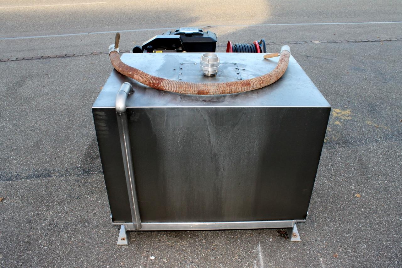 biete uhps hochdruckpumpe rosenbauer mit 300 liter wassertank. Black Bedroom Furniture Sets. Home Design Ideas