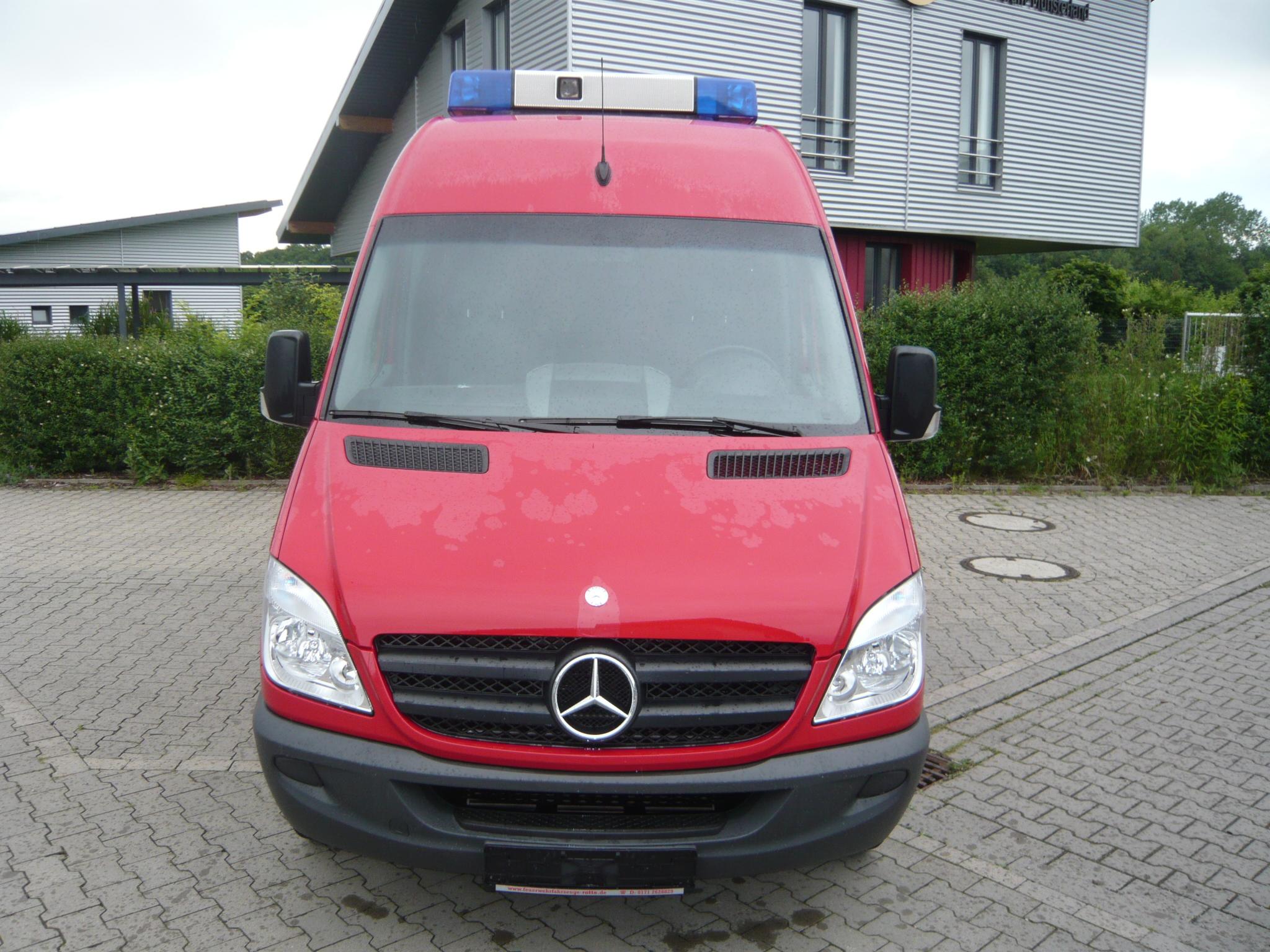 Mercedes benz sprinter 213 313 cdi feuerwehr mtw elw 9 sitzer for Mercedes benz elw
