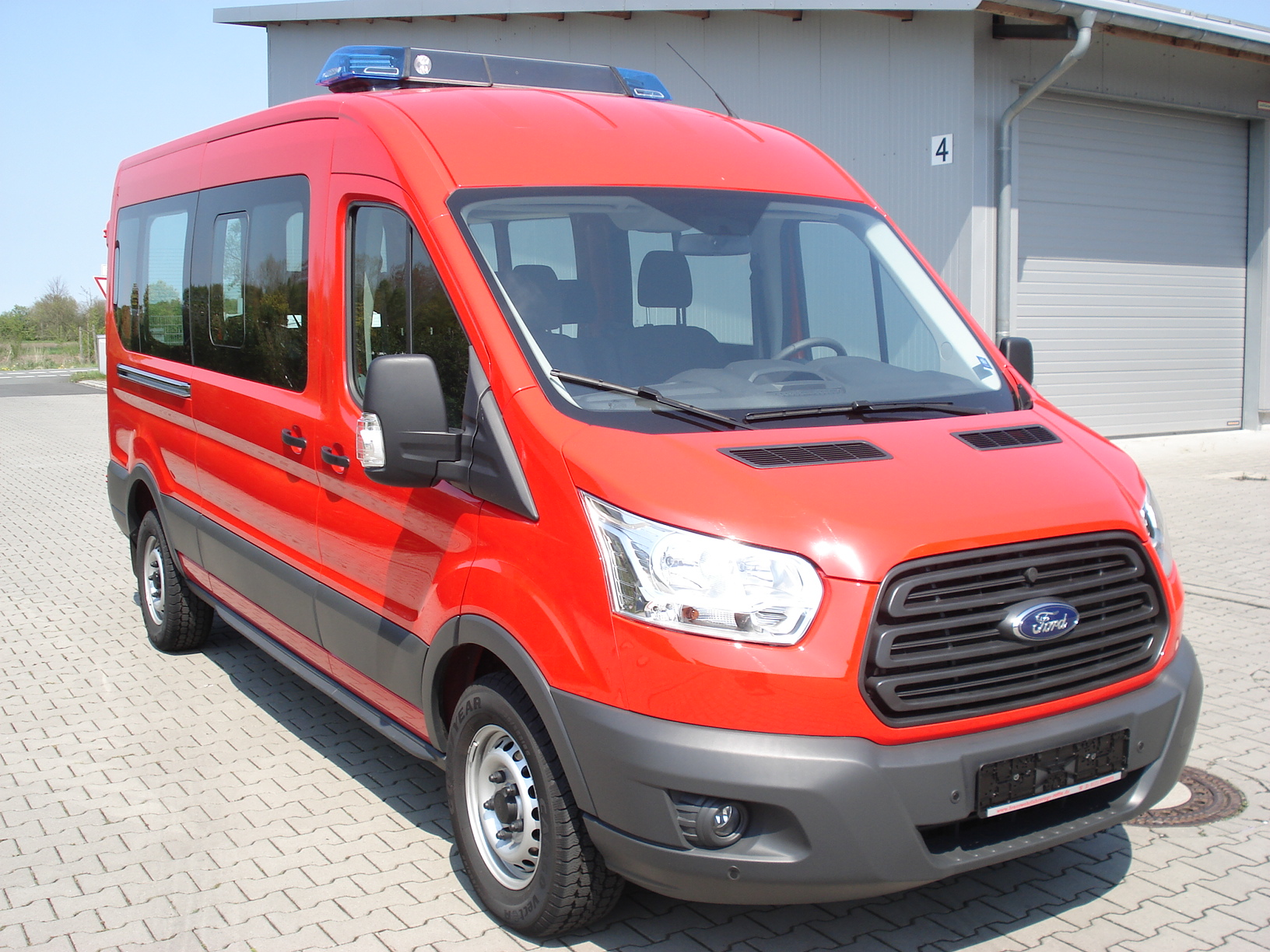 ford transit kombi trend 350 l3h2 feuerwehr mtw 9 sitzer. Black Bedroom Furniture Sets. Home Design Ideas