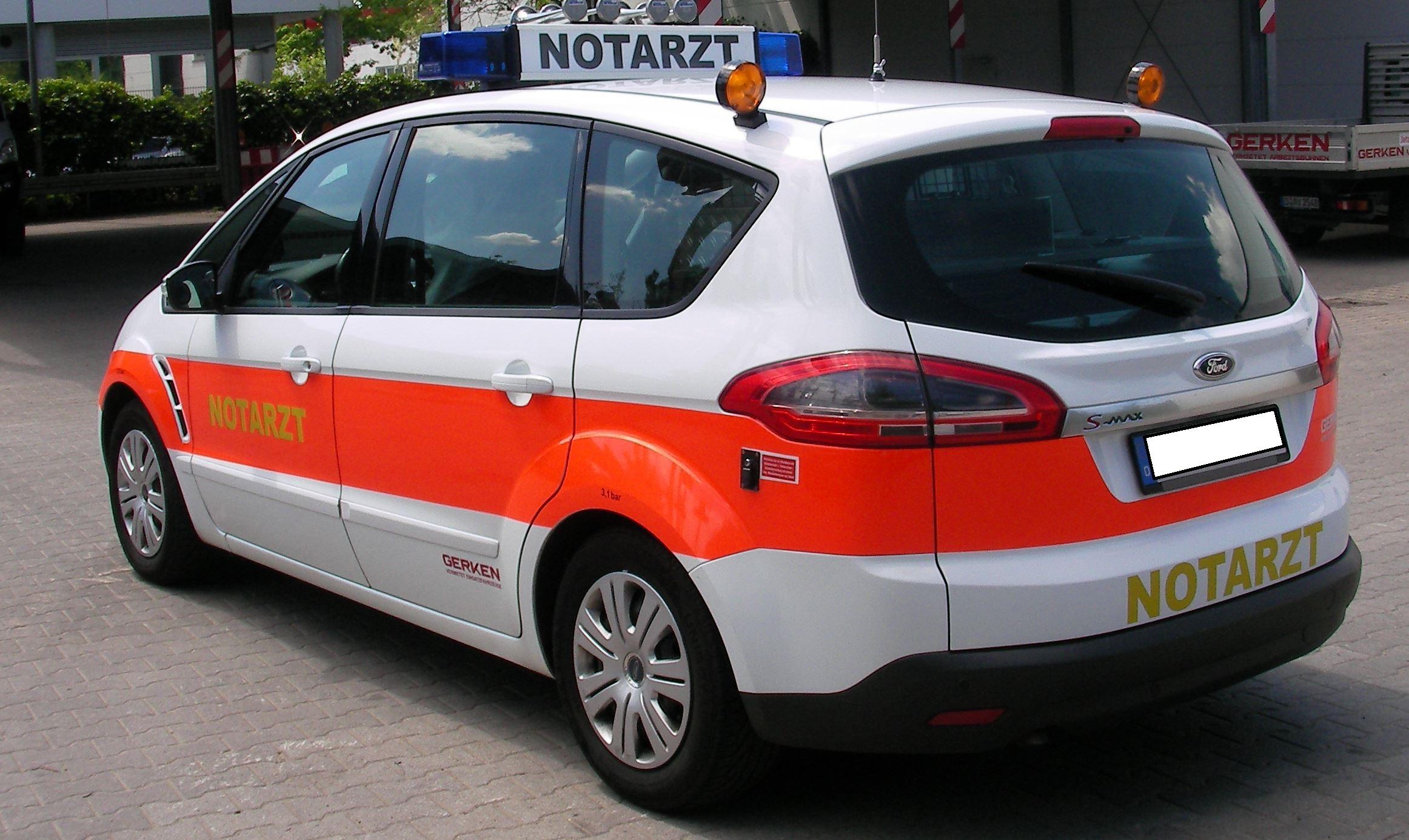 NEF Notarzteinsatzfahrzeug KDOW ELW 1 Auf Ford S Max Motorschaden Reparatur Gegen Aufpreis