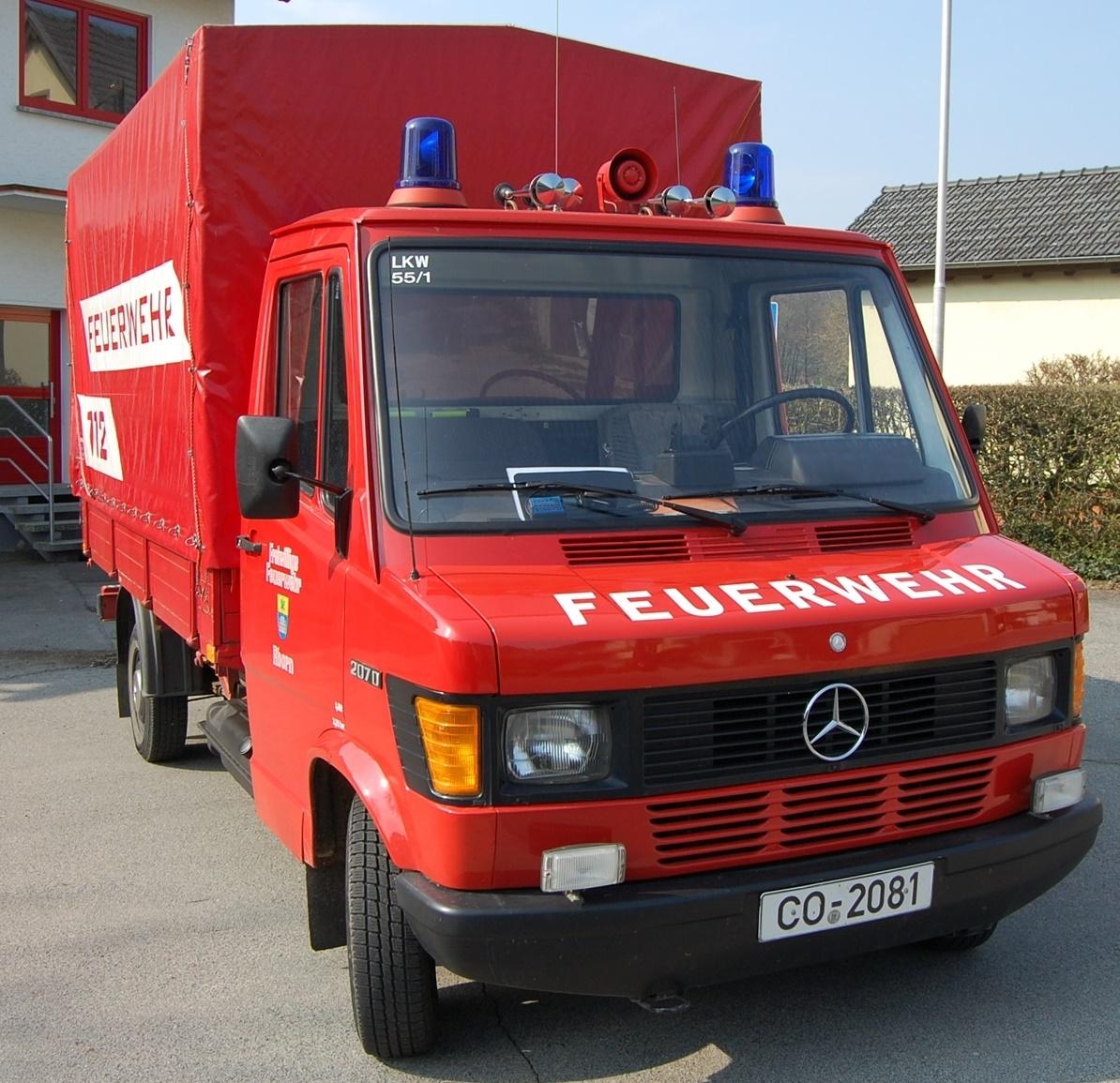 GW Logistik Mercedes Benz T1 207 D mit Pritsche und Plane